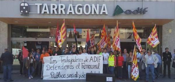 Hoy viernes ha tenido una nueva concentración de trabajadores de ADIF en Tarragona